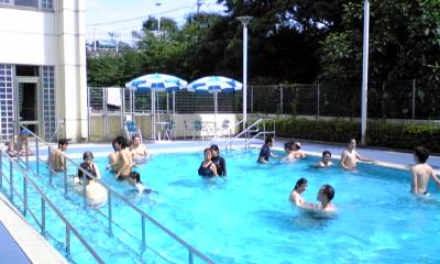 プール開きの写真